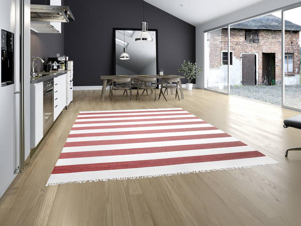 Roter  Cotton dorri - Teppich in einem Küche